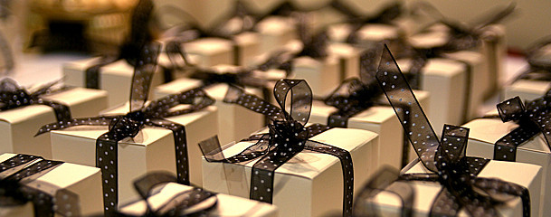 (Free) Gift Wrapping Service – Magento EE